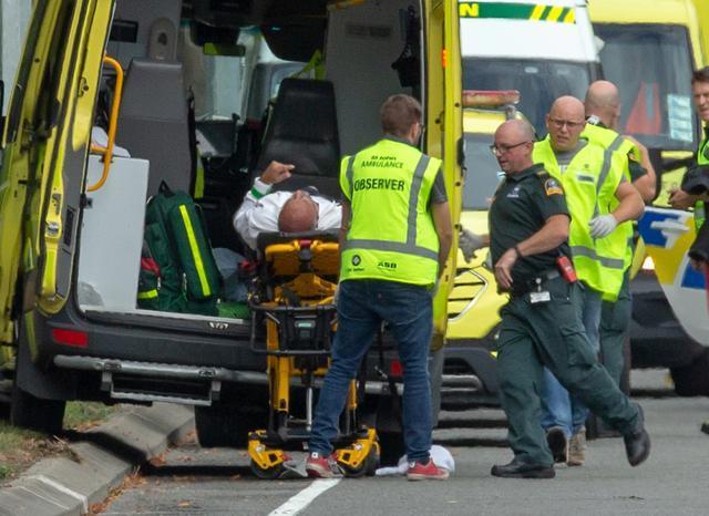 https: img.okezone.com content 2019 03 15 18 2030370 40-orang-tewas-dan-20-terluka-dalam-penembakan-masjid-di-selandia-baru-cVmLQmZsdg.jpg