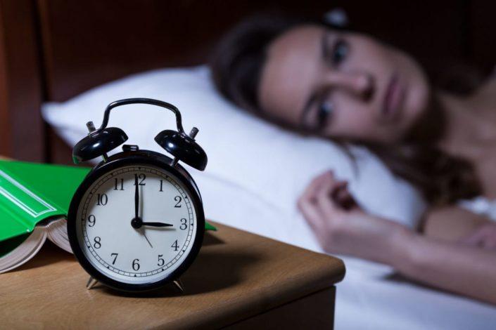 https: img.okezone.com content 2019 03 15 481 2030422 10-tips-ampuh-atasi-insomnia-dijamin-tidur-nyenyak-xBOU4j3DbR.jpg