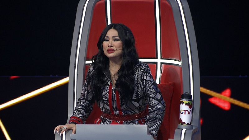 https: img.okezone.com content 2019 03 15 598 2030195 titi-dj-ovi-rif-kompak-dukung-keisha-di-panggung-the-voice-indonesia-9MohWEfXYn.jpg