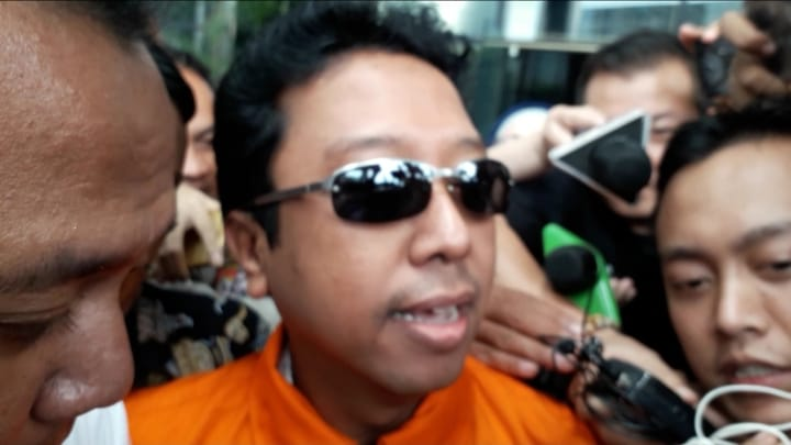 Romi Ppp Picture: Usai Diperiksa, Ketum PPP Romi Ditahan KPK : Okezone News