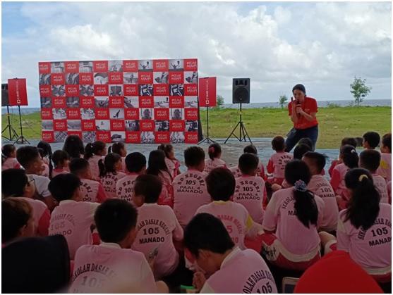 https: img.okezone.com content 2019 03 18 1 2031768 cut-mini-ajak-anak-indonesia-mengejar-mimpi-lewat-buku-dhQEeEwwir.jpg