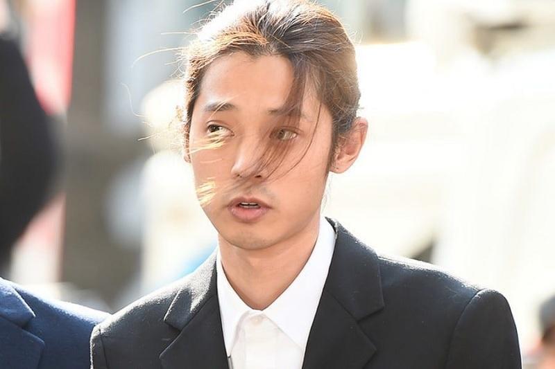 https: img.okezone.com content 2019 03 18 33 2031773 polisi-segera-urus-surat-penahanan-untuk-jung-joon-young-fzZIw7Yg6n.jpg