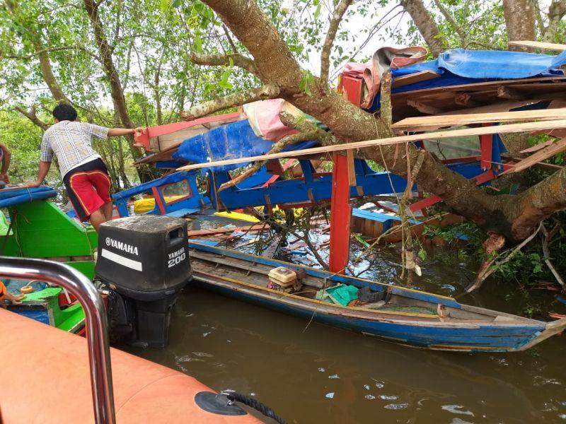 https: img.okezone.com content 2019 03 18 340 2031624 korban-tewas-kecelakaan-speedboat-di-sungai-musi-bertambah-jadi-6-orang-ini-identitasnya-2eVy7YjJ4d.jpg