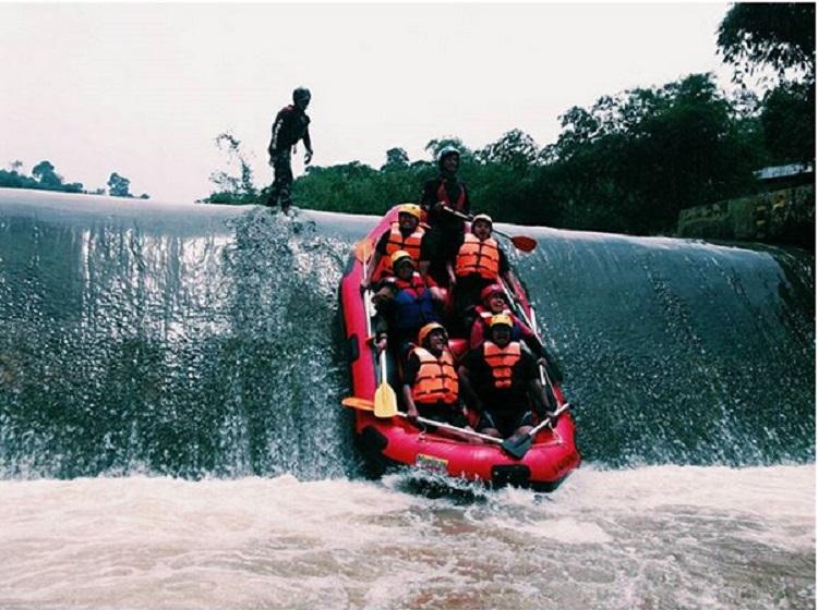 https: img.okezone.com content 2019 03 18 406 2031827 percantik-sungai-cisadane-dan-ciliwung-bogor-bakal-punya-spot-wisata-air-keren-1wpGzadmUB.jpg