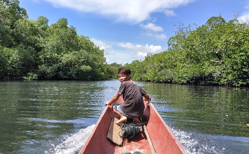 https: img.okezone.com content 2019 03 19 406 2032088 uniknya-sumur-sibuddaoinan-dan-keelokan-hutan-bakau-di-mentawai-xee6dahBWo.jpg