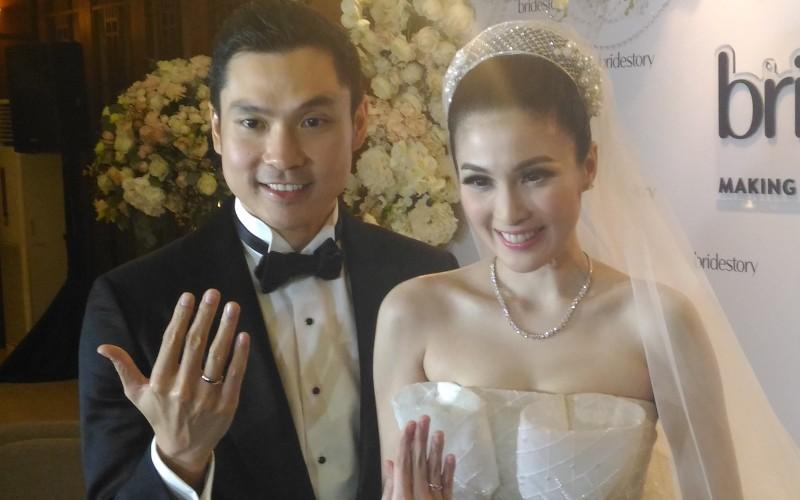 https: img.okezone.com content 2019 03 22 33 2033600 pernikahan-5-artis-ini-catatkan-biaya-fantastis-siapa-saja-4wcSwGsCkQ.jpg