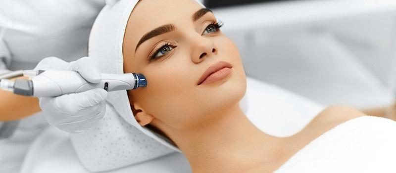https: img.okezone.com content 2019 03 23 611 2034077 perawatan-wajah-paling-laris-perempuan-bisa-cantik-tanpa-operasi-plastik-aJu0M26O70.jpg