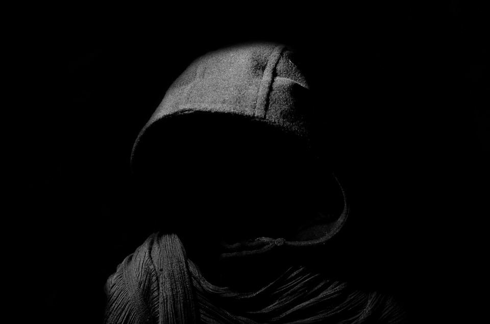 https: img.okezone.com content 2019 03 24 406 2034174 kisah-mistis-yang-dialami-driver-ojol-ini-bikin-merinding-pEPNuPkAro.jpg