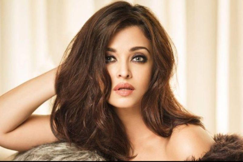 https: img.okezone.com content 2019 03 25 612 2034802 10-perempuan-tercantik-di-india-idola-kamu-masuk-gak-FqXsazU447.jpg