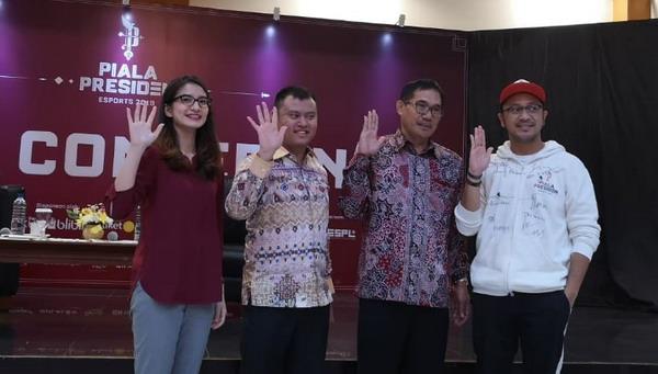 https: img.okezone.com content 2019 03 26 326 2035175 finalis-piala-presiden-esports-2019-jalani-bootcamp-jelang-final-56penPogTr.jpg