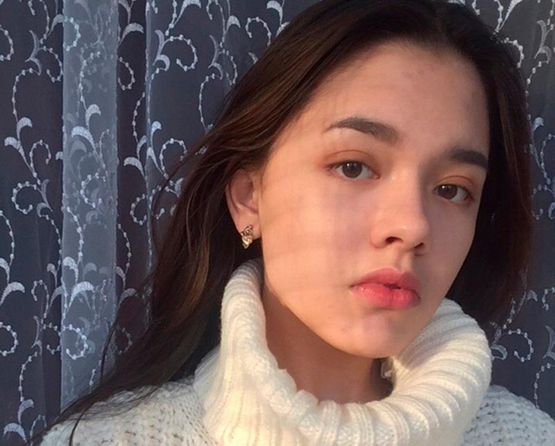 https: img.okezone.com content 2019 03 26 406 2035331 nekat-selfie-di-rel-gadis-remaja-ini-tewas-tertabrak-kereta-EluV9TgzqQ.jpg