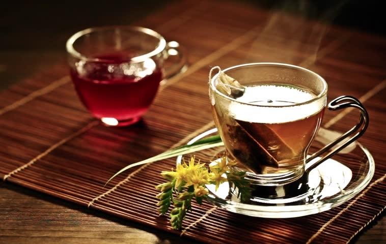 https: img.okezone.com content 2019 03 26 481 2035356 hati-hati-minum-teh-dalam-suhu-super-panas-bisa-picu-kanker-esofagus-rUp9CtB1ve.jpg