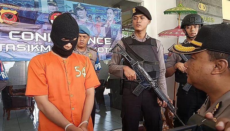 https: img.okezone.com content 2019 03 26 525 2035372 pembunuh-psk-di-tasikmalaya-ternyata-seorang-mahasiswa-jGYnS1Iyz0.jpg