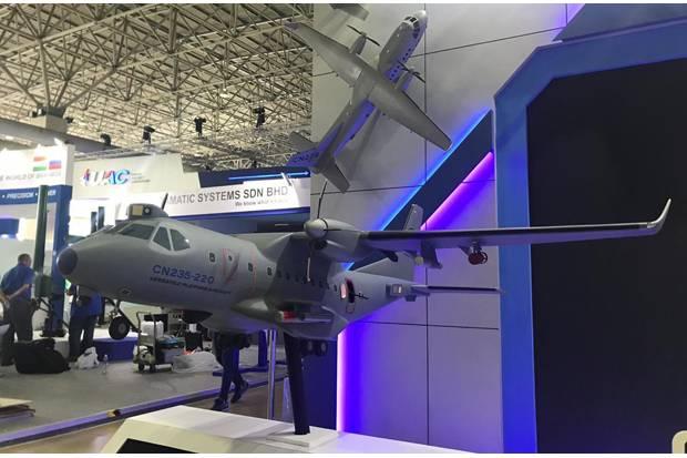 https: img.okezone.com content 2019 03 27 320 2035502 ptdi-tawarkan-pesawat-tempur-cn235-gunship-di-malaysia-U41yPXgeKz.jpg