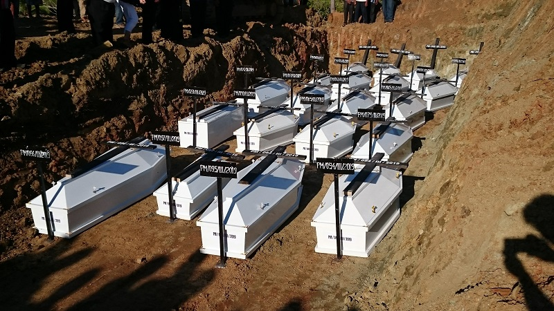 https: img.okezone.com content 2019 03 27 340 2035714 belum-teridentifikasi-20-jenazah-korban-banjir-bandang-sentani-dimakamkan-massal-smWdTKmVUa.JPG
