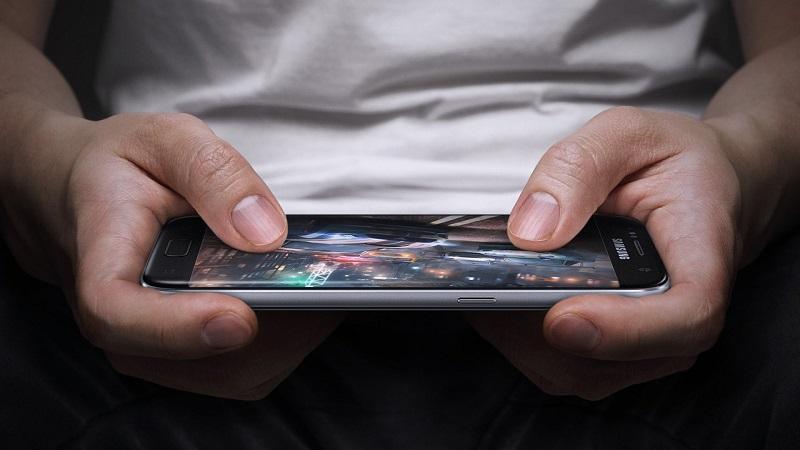 https: img.okezone.com content 2019 03 27 481 2035813 kenali-gejala-awal-neuropati-penyakit-akibat-terlalu-lama-bermain-gadget-s0kIlSyhIM.jpg