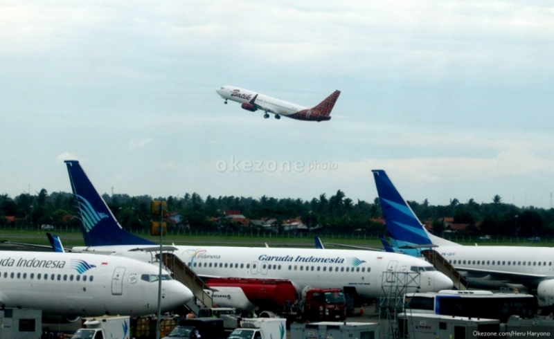 https: img.okezone.com content 2019 03 28 12 2036033 yes-ekstra-bagasi-pesawat-kini-bisa-di-pesan-via-aplikasi-traveloka-BlcKYDutpm.jpg
