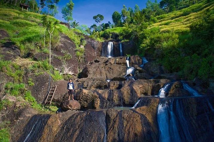 https: img.okezone.com content 2019 03 28 406 2036369 sehari-di-yogyakarta-kunjungi-3-tempat-ini-diakhiri-dengan-menyantap-gudeg-nikmat-AV4hZFoO6N.jpg