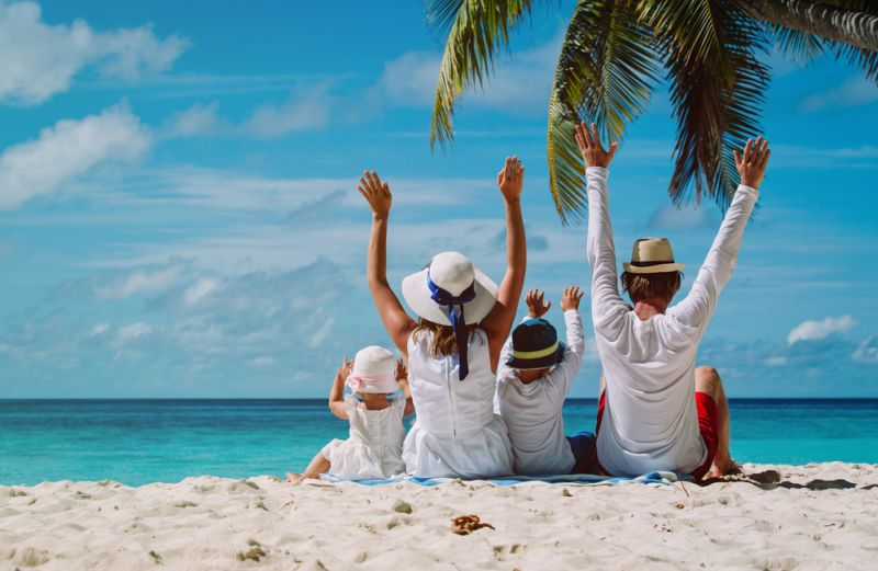 https: img.okezone.com content 2019 03 28 481 2036038 sederet-manfaat-liburan-ke-pantai-untuk-kesehatan-otak-paling-cocok-lepas-stres-8N0h2ISVTz.jpg