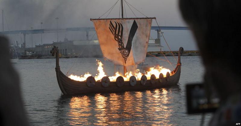 https: img.okezone.com content 2019 03 28 56 2036299 arkeolog-temukan-situs-makam-kapal-viking-kuno-di-norwegia-6k1GjFbLxX.jpg