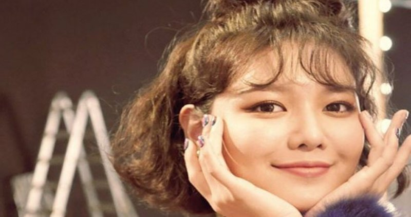 https: img.okezone.com content 2019 03 29 205 2036902 sibuk-syuting-sooyoung-janji-takkan-tinggalkan-girls-generation-zosTMVTZmO.jpg