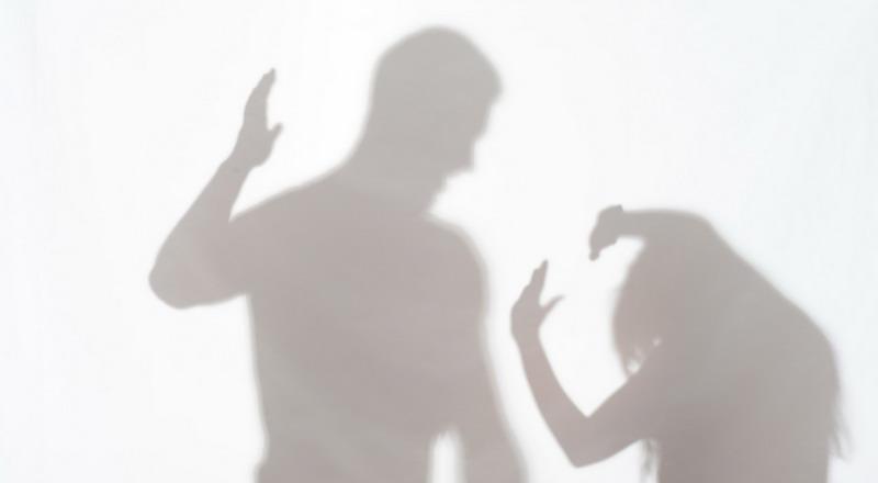 https: img.okezone.com content 2019 03 29 519 2036426 ibu-penganiaya-anak-perempuan-yang-videonya-viral-akhirnya-minta-maaf-2uCT71uP2f.jpg