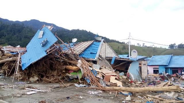 https: img.okezone.com content 2019 04 01 340 2037583 ini-penyebab-banjir-bandang-sentani-yang-telan-112-korban-jiwa-qw50b0Vv4P.jpeg