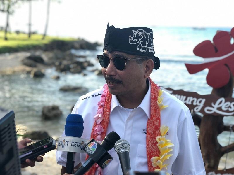 https: img.okezone.com content 2019 04 01 406 2037919 pasca-tsunami-menpar-arief-yahya-tegaskan-kawasan-selat-sunda-sudah-aman-dikunjungi-wisatawan-AVEGcVqxuN.jpeg