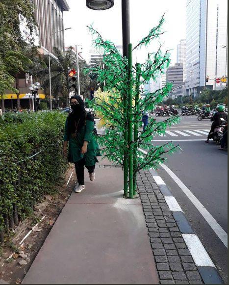 https: img.okezone.com content 2019 04 01 470 2037679 pemkot-bogor-fokus-bangun-trotoar-di-jalan-protokol-0k3wpcZ3Vt.jpg