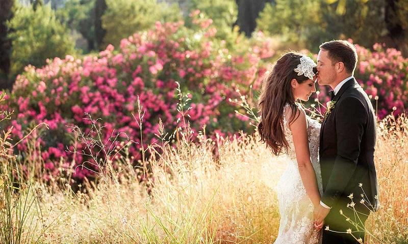 https: img.okezone.com content 2019 04 02 194 2038394 7-cara-dapatkan-foto-pernikahan-terbaik-A6D523S9YU.jpg
