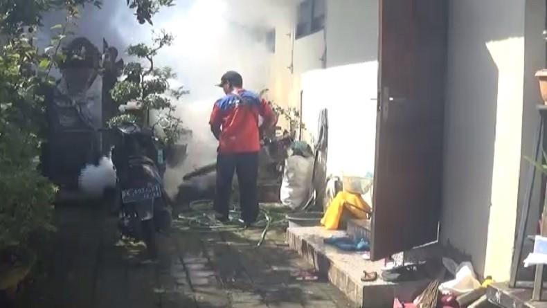 https: img.okezone.com content 2019 04 03 244 2038646 ratusan-rumah-dan-lingkungan-sekolah-di-buleleng-dapat-fogging-gratis-perindo-O5GqncT09z.jpg