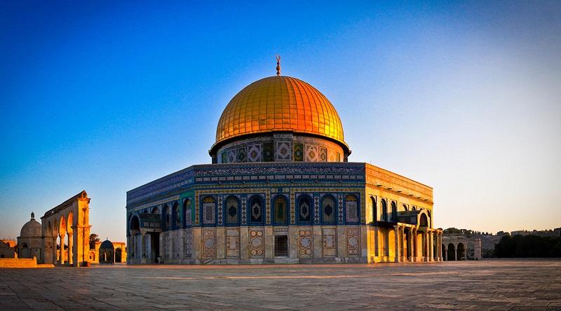 https: img.okezone.com content 2019 04 03 406 2038652 5-tempat-indah-yang-disinggahi-nabi-muhammad-saw-saat-isra-miraj-etbpqIWAZD.jpg
