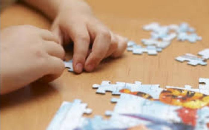 https: img.okezone.com content 2019 04 03 481 2038541 5-rekomendasi-mainan-untuk-bantu-tumbuh-kembang-anak-dengan-autisme-Htqd8Nhy2y.jpg