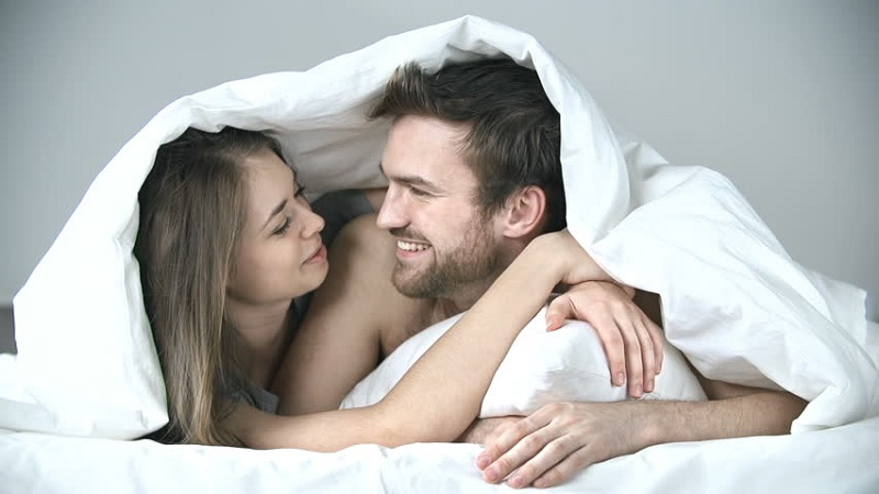 https: img.okezone.com content 2019 04 04 485 2039192 10-cara-bikin-gairah-seksual-pasangan-cepat-on-yhY5Ua1QMt.jpg