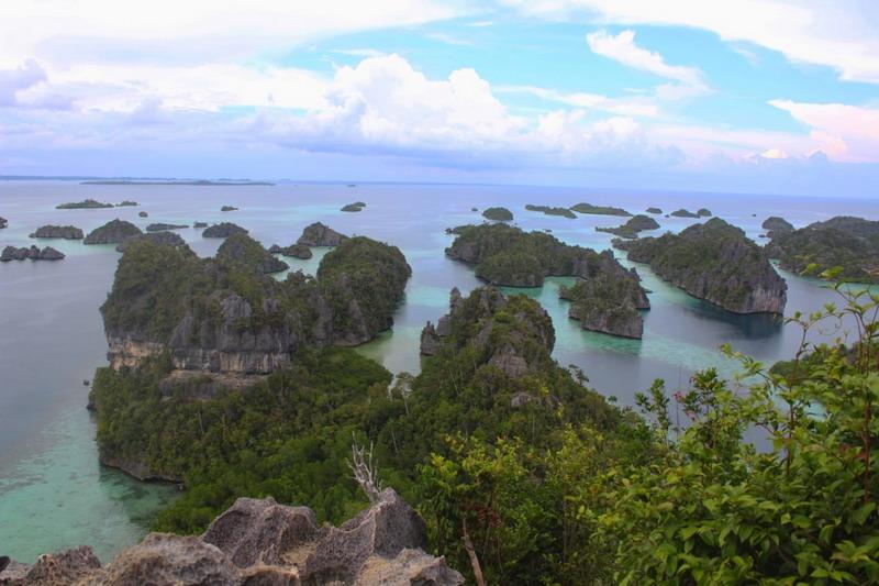 https: img.okezone.com content 2019 04 05 1 2039294 hebat-indonesia-peringkat-6-negara-terindah-di-dunia-dKC877qbrw.jpg