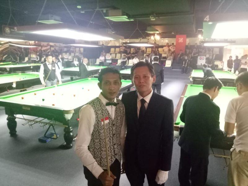 https: img.okezone.com content 2019 04 05 43 2039650 ikuti-langkah-gebby-yoni-rachmanto-melaju-ke-babak-16-besar-singapura-snooker-open-2019-Ee58SNc4SD.jpg
