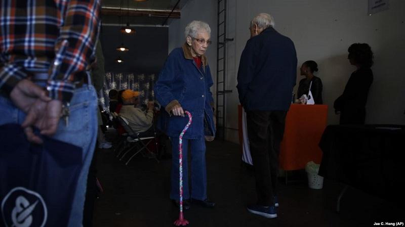 https: img.okezone.com content 2019 04 05 481 2039474 lansia-di-as-gunakan-ganja-untuk-kurangi-rasa-sakit-dan-nyeri-kzxK9LHRU9.jpg