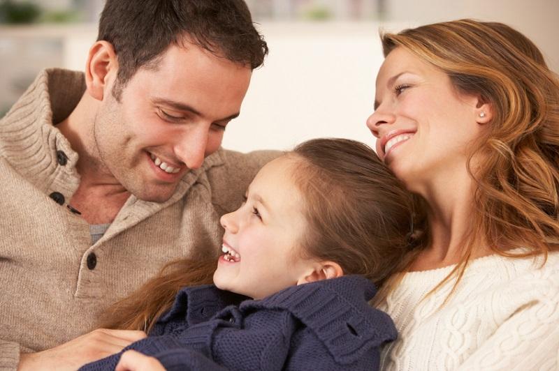https: img.okezone.com content 2019 04 06 196 2039928 pahami-ini-tips-berbagi-tugas-mengasuh-anak-dengan-suami-xLKPK3Grj6.jpg