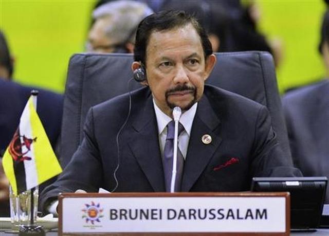 https: img.okezone.com content 2019 04 07 18 2040151 terapkan-rajam-mati-untuk-lgbt-sultan-brunei-dinilai-tiru-isis-AhpyTjzQ6W.jpg