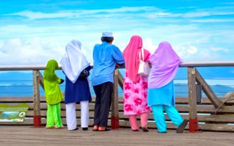 https: img.okezone.com content 2019 04 08 406 2040642 bidik-nomor-1-destinasi-wisata-halal-terbaik-dunia-indonesia-muslim-travel-index-2019-resmi-dirilis-vC0Jwczjd9.jpg
