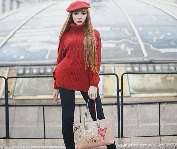 https: img.okezone.com content 2019 04 09 194 2041231 lucinta-luna-liburan-ke-rusia-gayanya-seksi-nan-stylish-Q8CSNkoGqU.jpg
