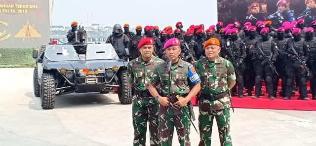 https: img.okezone.com content 2019 04 09 337 2040953 latihan-pembebasan-sandera-untuk-uji-kesiapan-pasukan-satgultor-tni-1XkZZ3RZ3p.jpg