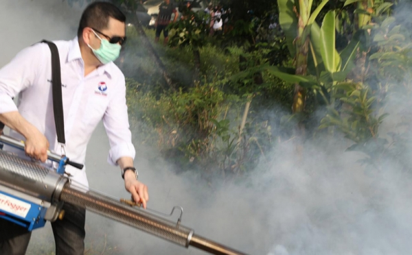 https: img.okezone.com content 2019 04 09 337 2041003 gelar-fogging-nasional-perindo-ini-pesan-hary-tanoe-agar-indonesia-bebas-wabah-dbd-NiAqoliJz8.jpg