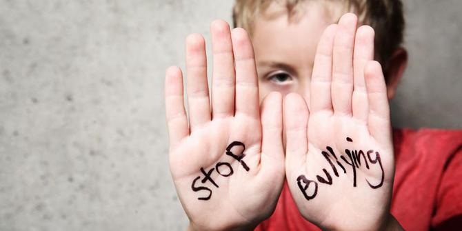 https: img.okezone.com content 2019 04 10 196 2041683 guru-bk-ini-beberkan-8-penyebab-seseorang-lakukan-bullying-NlPSm7SIEo.jpg