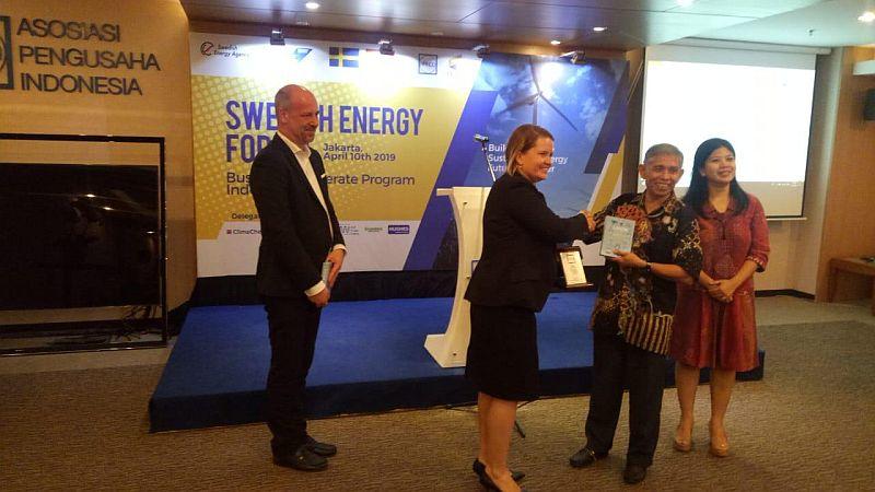 https: img.okezone.com content 2019 04 10 320 2041608 indonesia-swedia-kerja-sama-kembangkan-energi-terbarukan-25ZXqYzviV.jpg