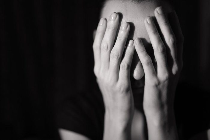 https: img.okezone.com content 2019 04 10 481 2041551 8-trauma-fisik-dan-mental-akibat-kekerasan-seksual-3vLykv10id.jpg