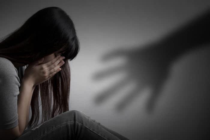 https: img.okezone.com content 2019 04 10 485 2041493 tagar-justice-for-audrey-trending-ini-5-mitos-sesat-kekerasan-seksual-yang-harus-diluruskan-fJ4liofOWY.jpg