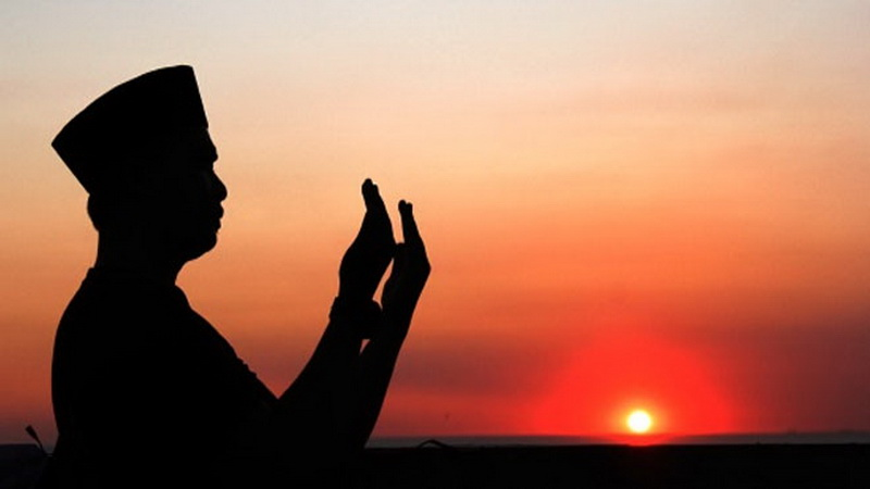 https: img.okezone.com content 2019 04 11 196 2042107 puasa-ramadan-hari-ke-2-jangan-lupa-baca-doa-ini-2xZMDbRZTn.jpg