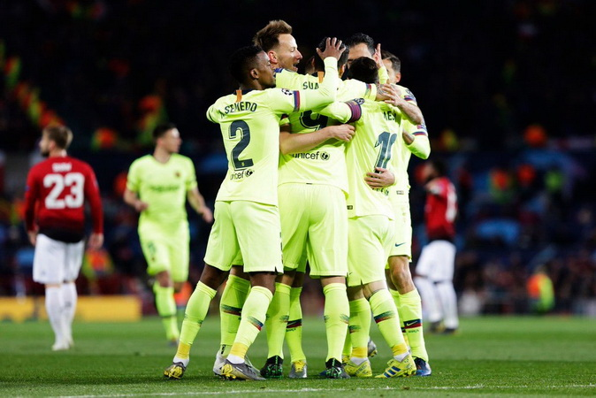https: img.okezone.com content 2019 04 11 261 2042011 barcelona-tundukkan-manchester-united-di-4-stadion-berbeda-tifVpZGIMt.jpg