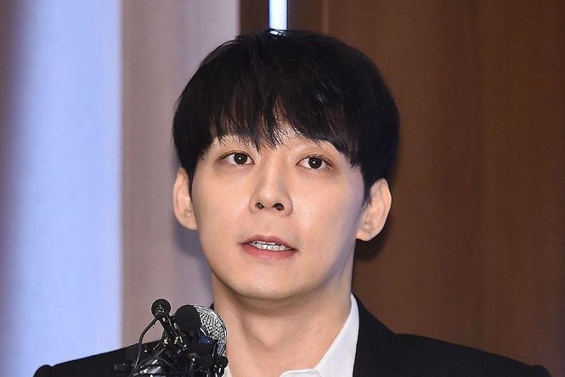 https: img.okezone.com content 2019 04 11 33 2041912 park-yoochun-jadi-tersangka-dalam-kasus-narkoba-hwang-hana-ictLva8bGR.jpg